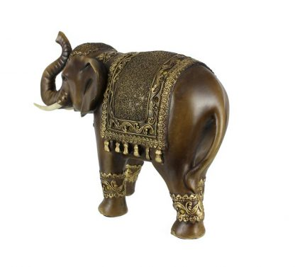 Éléphant avec sa trompe en l'air